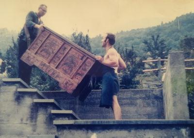 Umzug in Lugano im Jahre 1970- der heutige Seniorchef Georg Knabl persönlich (im Bild unten)